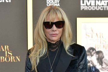 """Rosanna Arquette Premiere Of Warner Bros. Pictures' """"A Star Is Born"""" - Arrivals"""