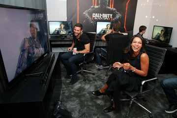 Rosario Dawson Rosario Dawson Visits Activision's 'Call of Duty: Black Ops 3' Booth at E3 2015