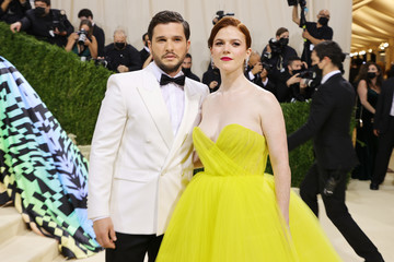 Rose Leslie Kit Harington The 2021 Met Gala Celebrating In America: A Lexicon Of Fashion - Arrivals