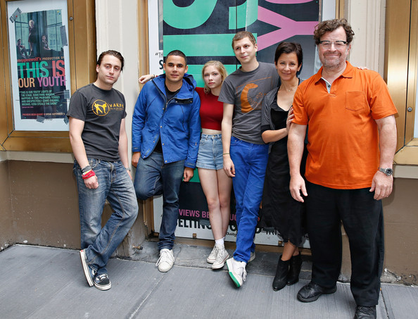tavi gevinson ezra koenig dating The infinity diaries tavi gevinson 09/12 why not find out this thing about myself by dating the exact kind of boy-person who would've been repelled.