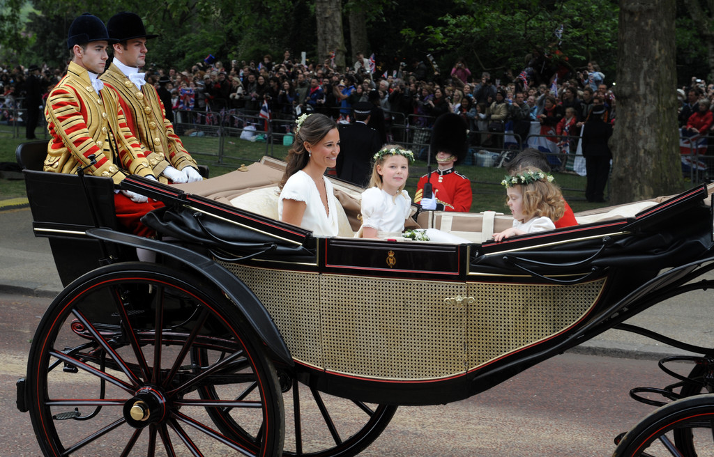 pippa in carriage prince williams wedding