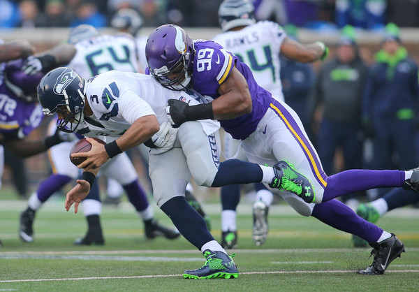 http://www1.pictures.zimbio.com/gi/Russell+Wilson+Seattle+Seahawks+v+Minnesota+BApz54y4dIOl.jpg