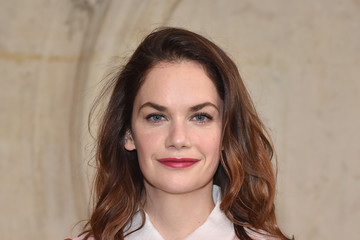 Ruth Wilson Christian Dior : Photocall - Paris Fashion Week Womenswear Fall/Winter 2017/2018