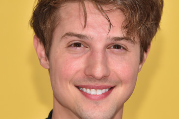 Ryan Follese The 50th Annual CMA Awards - Arrivals