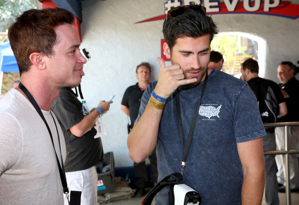 Samsung And Six Flags Debut The First  Virtual Reality Coaster Powered By Samsung Gear VR At Six Flags Magic Mountain
