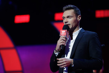 Ryan Seacrest 2017 iHeartRadio Music Festival - Night 2 - Show