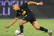 Alexis Sanchez of FC Internazionale in action during the Serie A match between SPAL and FC Internazionale at Stadio Paolo Mazza on July 16, 2020 in Ferrara, Italy.