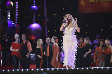 Samantha Jade Woolworths Carols in the Domain 2017