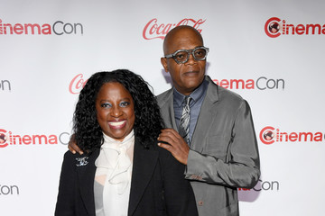 Samuel L. Jackson Latanya Richardson CinemaCon 2018 - The CinemaCon Big Screen Achievement Awards Brought To You By The Coca-Cola Company
