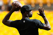 Michael Vick #2 of the Pittsburgh Steelers warms up prior to the game against the San Francisco 49ers at Heinz Field on September 20, 2015 in Pittsburgh, Pennsylvania.
