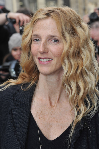 Sandrine Kiberlain - Chanel - Arrivals - Paris Fashion Week Haute Couture S/S 2011