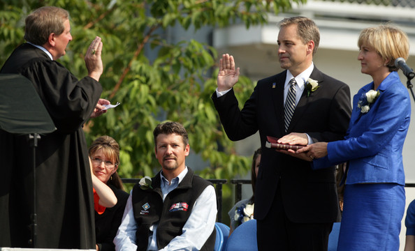 Sarah Palin Hands Over Power To Alaska's Lt. Gov. Sean Parnell
