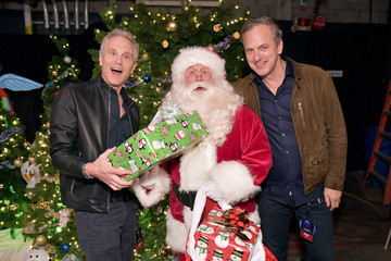 Santa Claus 102.7 KIIS FM's Jingle Ball - BACKSTAGE