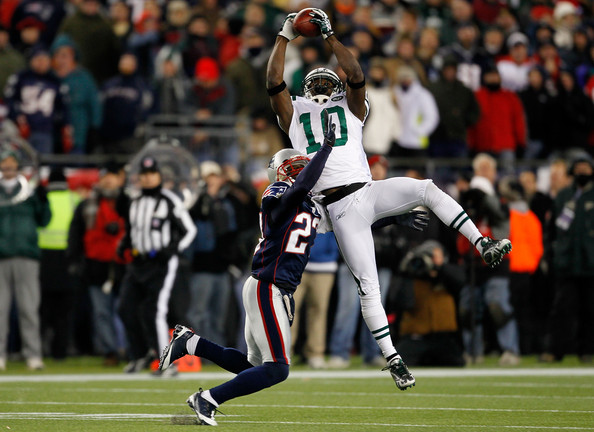 Santonio Holmes Santonio Holmes #10 of the New York Jets makes a reception in the second quarter against Kyle Arrington #27 of the New England Patriots at Gillette Stadium on December 6, 2010 in Foxboro, Massachusetts.