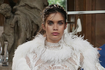 Sara Sampaio Zuhair Murad: Backstage - Paris Fashion Week - Haute Couture Fall/Winter 2017-2018