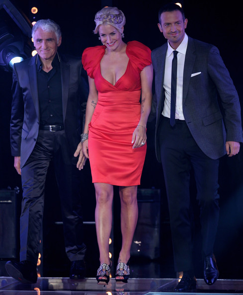 Sarah Connor (L-R) George Glueck, Sarah Connor and Till Broenner pose during the X Factor Live show on September 28, 2010 in Cologne, Germany.
