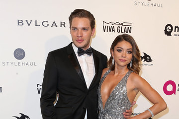 Sarah Hyland Dominic Sherwood Celebrities Attend an Oscar Viewing Party