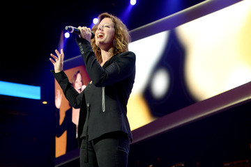 Sarah Mclachlan Walmart Shareholders' Meeting
