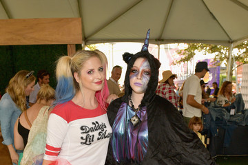 Sarah Michelle Gellar Michelle Trachtenberg 2018 GOOD+ Foundation's 3rd Annual Halloween Bash Presented By Delta Air Lines And Otter Pops