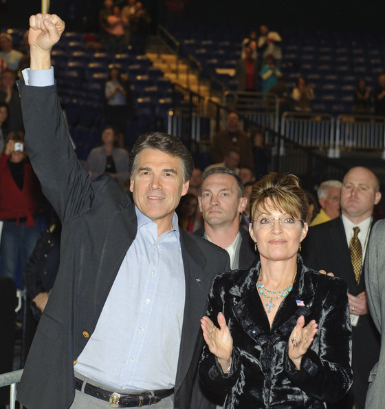 Sarah Palin Attends Campaign Event For Texas Governor Rick Perry