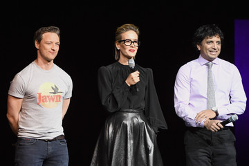 Sarah Paulson M. Night Shyamalan CinemaCon 2018 - Universal Pictures Invites You To A Special Presentation Featuring Footage From Its Upcoming Slate