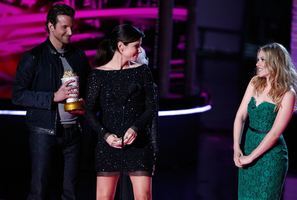 scarlett johansson dating bradley cooper And scarlett johansson has been paired with older actors so often up with bradley cooper age disparities that evoke the notion of a trophy girlfriend.