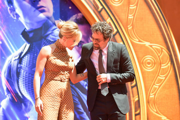 Scarlett Johansson Mark Ruffalo Marvel Studios' 'Avengers: Endgame' Cast Place Their Hand Prints In Cement At TCL Chinese Theatre IMAX Forecourt