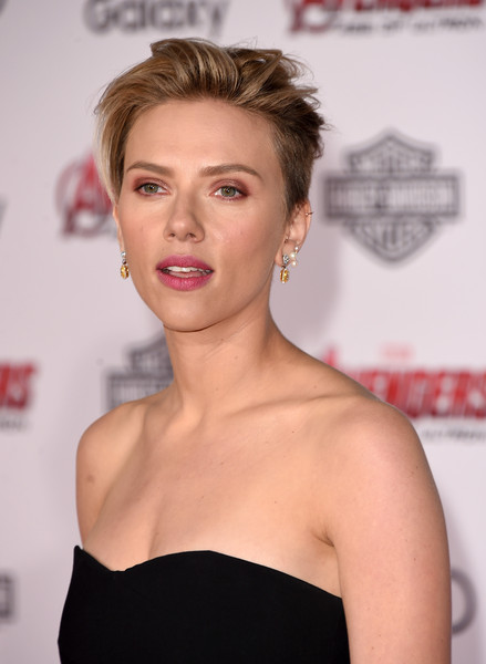 Premiere Of Marvel's 'Avengers: Age Of Ultron' - Arrivals [avengers: age of ultron,hair,face,lip,hairstyle,eyebrow,shoulder,skin,blond,beauty,chin,scarlett johansson,arrivals,california,hollywood,dolby theatre,marvel,premiere]