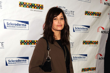 """Gina Gershon The Scleroderma Research Foundation Hosts """"Cool Comedy - Hot Cuisine 2009"""""""