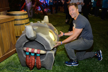 Scott Porter Nintendo Hosts Celebrities At 2016 E3 Gaming Convention