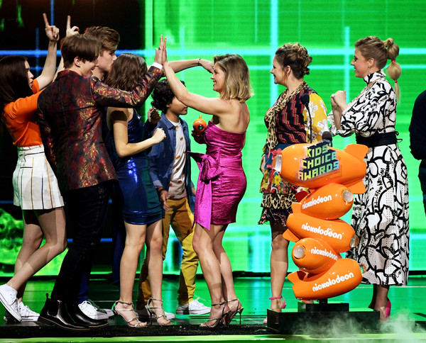 Nickelodeon's 2019 Kids' Choice Awards - Show [favorite funny tv show,performance,musical,performing arts,event,competition,musical theatre,performance art,dancer,soni bringas,michael campion,jodie sweetin,scott weinger,kids choice awards,award,l-r,nickelodeon,show]