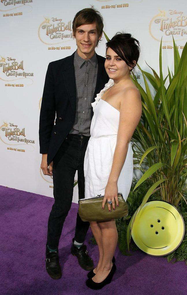 Mae Whitman And Landon Pigg