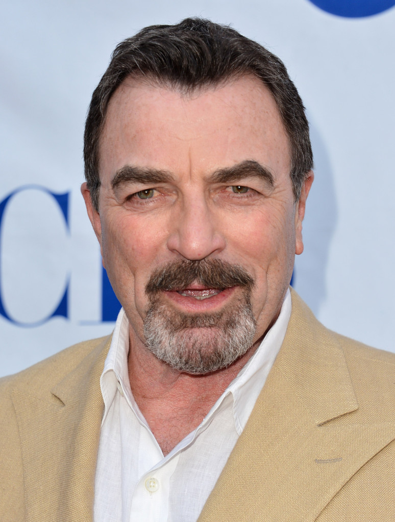 Tom Selleck - High quality image size 366x550 of Tom