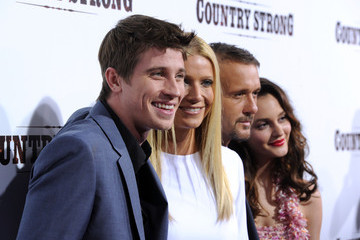 """Gwyneth Paltrow Tim McGraw Screening Of Screen Gems' """"Country Strong"""" - Arrivals"""