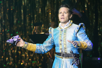 Seamus Dever Inside the 14th Annual Les Girls