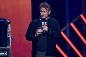Sean Penn 2016 iHeartRadio Music Festival - Night 1 - Show