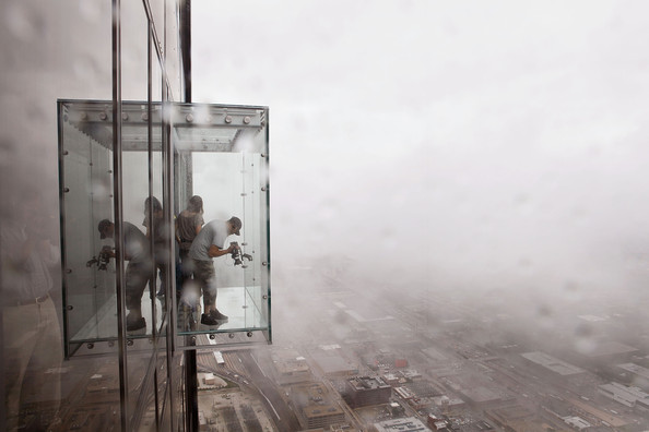 Sears tower to unveil new glass ledge on 103rd floor zimbio for How many floors are in the sears tower
