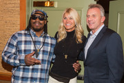 (L-R) Seattle Seahawks Running Back Marshawn Lynch, Jennifer Montana and retired NFL quarterback Joe Montana attend the FAM 1st FAMILY FOUNDATION Charity Event at The Edgewater Hotel on December 14, 2014 in Seattle, Washington.