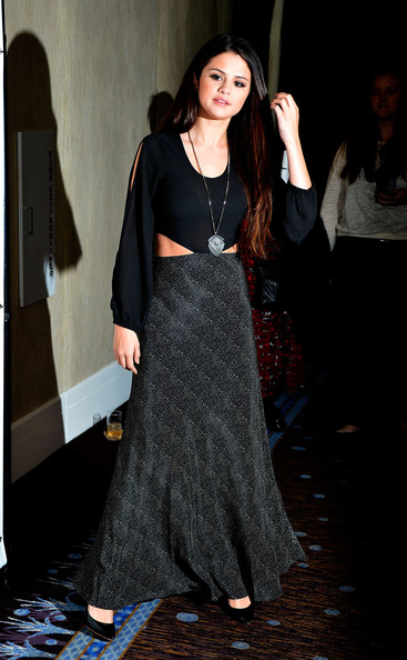 Selena Gomez - The Alliance For Children's Rights' 21st Annual Dinner - Red Carpet
