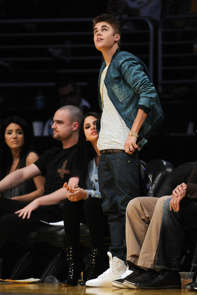 Selena Gomez - San Antonio Spurs v Los Angeles Lakers