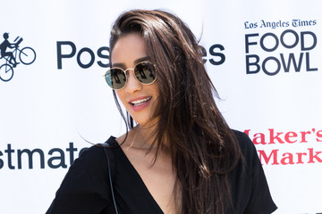Shay Mitchell Los Angeles Times Food Bowl - Secret Burger Showdown