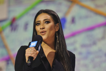 Shay Mitchell Shay Mitchell Hosts WE Day Illinois to Celebrate Young People Changing the World