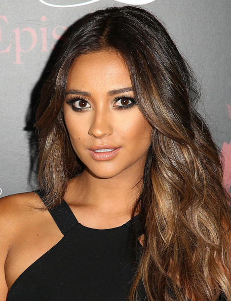 Shay Mitchell Photos Photos
