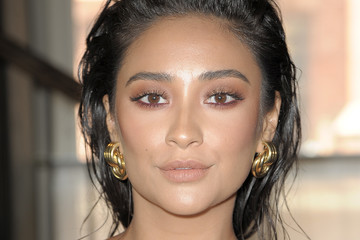 Shay Mitchell Cinq A Sept - Presentation - September 2017 - New York Fashion Week: The Shows