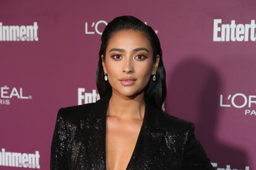 Shay Mitchell 2017 Entertainment Weekly Pre-Emmy Party - Red Carpet