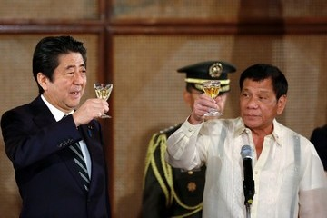 Shinzo Abe Japanese Prime Minister Shinzo Abe Goes on an Official Visit to the Philippines