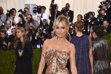 Sienna Miller 'Manus x Machina: Fashion In An Age of Technology' Costume Institute Gala - Arrivals