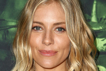 Sienna Miller Premiere of Amazon Studios' 'The Lost City of Z' - Arrivals