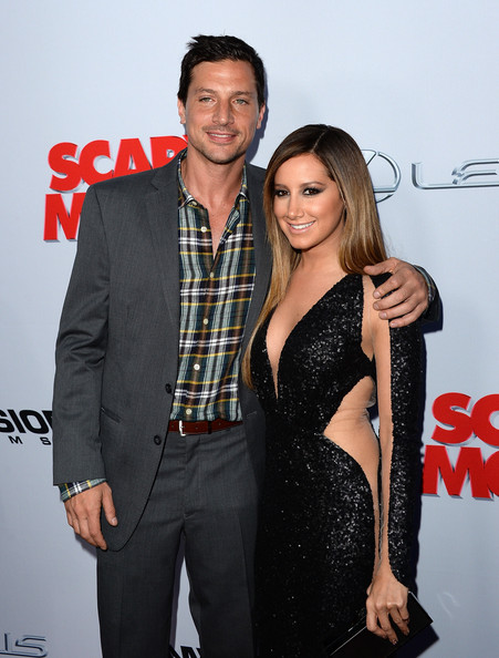 simon rex dating ashley tisdale Simon rex, actor: scary movie 3 actor simon rex had an auspicious entrance into the world of entertainment when he appeared in some pornographic solo scenes in a series of straight-to-video gay porn releases.