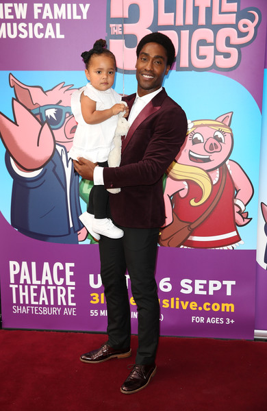 'The Three Little Pigs' - VIP Performance - Pink Carpet Arrivals []